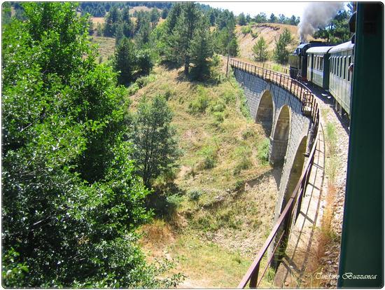 In viaggio sul trenino a vapore - Sila (2069 clic)