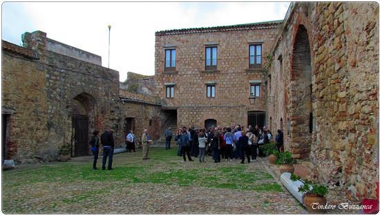 Il Castello - Caronia (2131 clic)