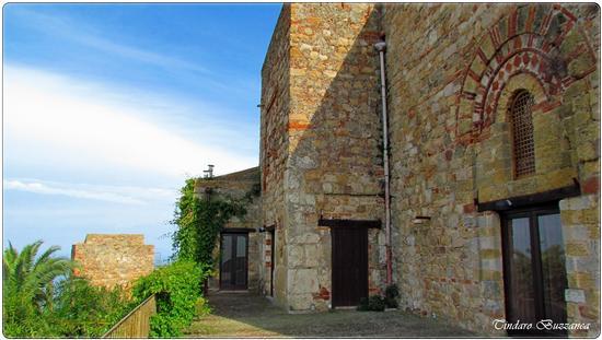Il Castello - Caronia (2484 clic)