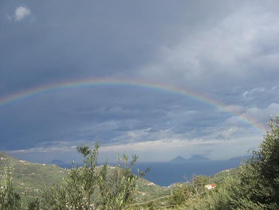 Eolie sotto l'arcobaleno - Gioiosa marea (2338 clic)