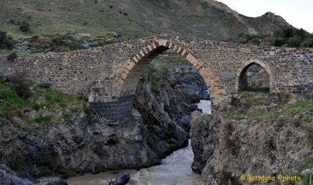 Ponte dei Saraceni  - Adrano (3051 clic)