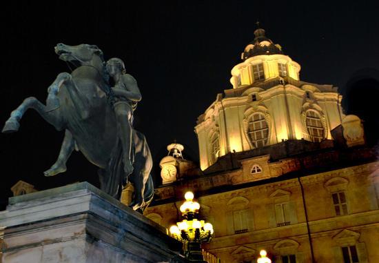 Real chiesa di San Lorenzo - Torino (5653 clic)