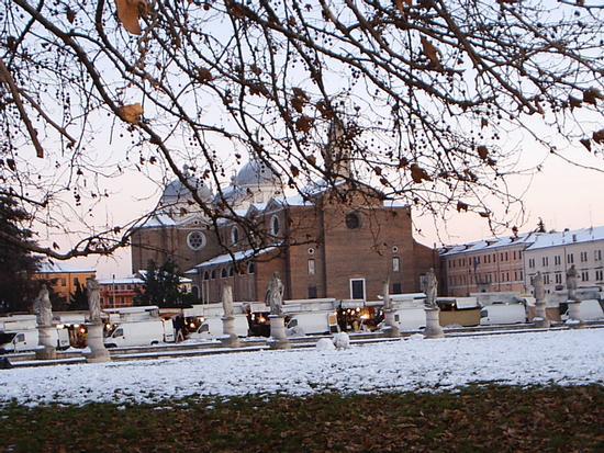 Prato della Valle con la neve - Padova (4079 clic)