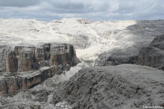 Sass Pordoi 2.950 mt. - Paesaggio lunare - Canazei (4750 clic)