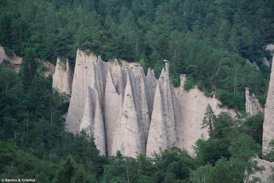 Piramidi di Segonzano (6139 clic)