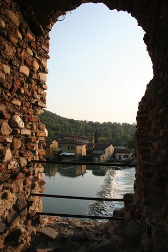 Valeggio - Finestra su Borghetto - Valeggio sul mincio (3388 clic)