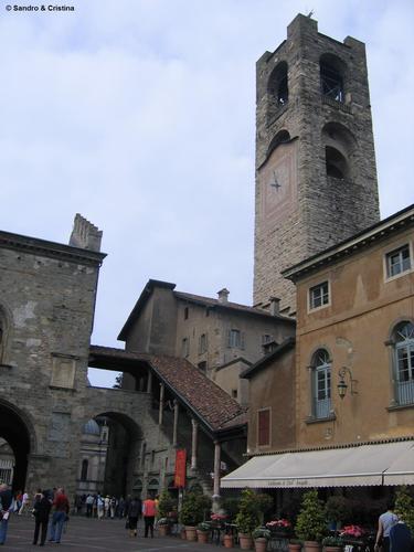 Bergamo - Piazza Vecchia e Torre Civica (3262 clic)