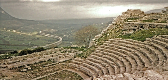 teatro greco e scorrimento veloce - Segesta (5648 clic)