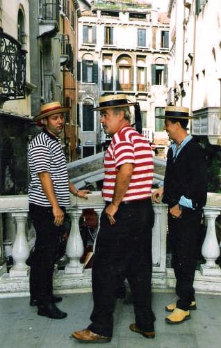 ciacole tra gondolieri - Venezia (7221 clic)