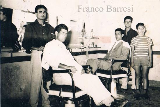 Nizza di Sicilia, il barbiere. (3142 clic)