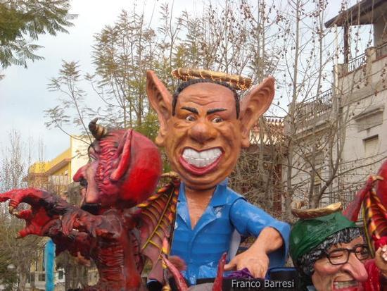 Carnevale nizzardo 2011 - Nizza di sicilia (3027 clic)