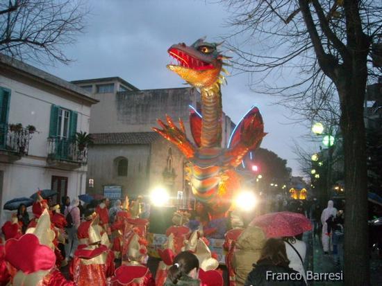 Carnevale nizzardo 2011 - Nizza di sicilia (3201 clic)