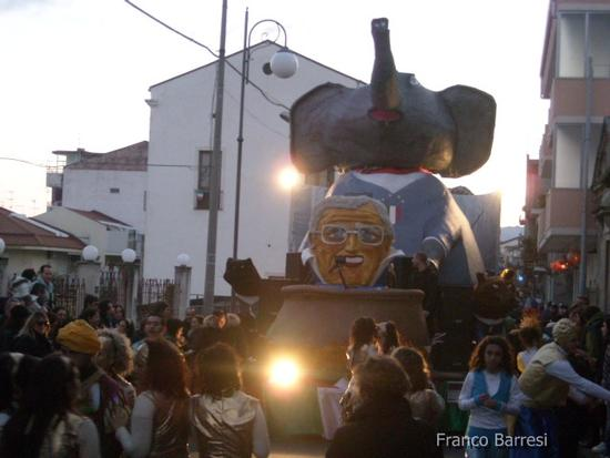 Carnevale nizzardo 2011 - Nizza di sicilia (2539 clic)