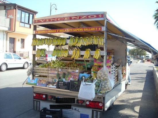 Nizza di Sicilia, la boutique della frutta e verdura. (4759 clic)