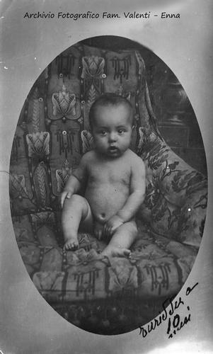 Turiddu a 10 mesi,  agosto 1915. - Leonforte (3094 clic)