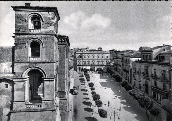 Enna Piazza S. Francesco (4769 clic)
