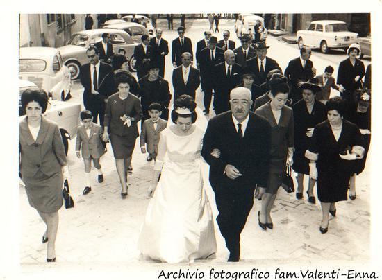 Leonforte - Matrimonio Giovanna Valenti di Alfonso - 1964 (4382 clic)