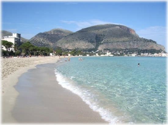 mondello spiaggia (7433 clic)