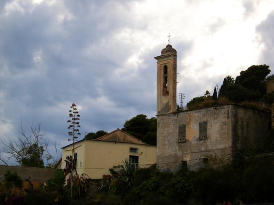 Campanile dell'Agave e della Chiesa dell'Annunziata - Arma di taggia (3189 clic)