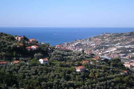 Da Castellaro verso il mare - Arma di taggia (2009 clic)