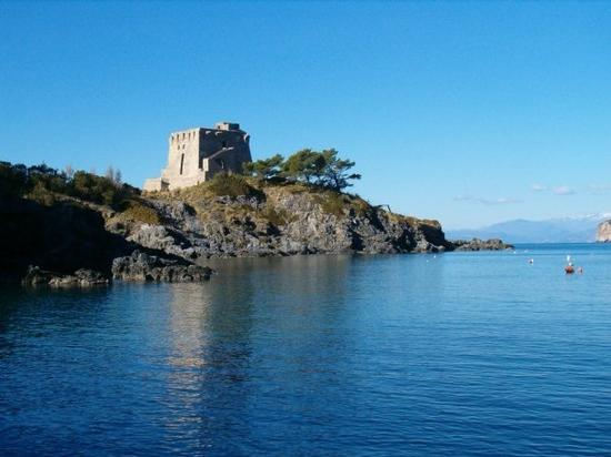 Torre Crawford - San nicola arcella (3300 clic)