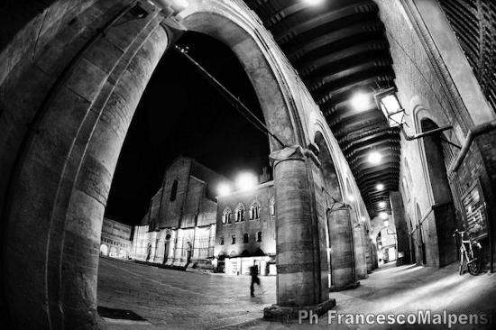 Piazza Maggiore - Bologna (6997 clic)