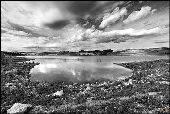 Lago Sciaguana b/n - Agira (2515 clic)