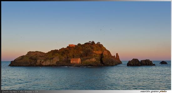 Isola Lachea - Aci trezza (2383 clic)