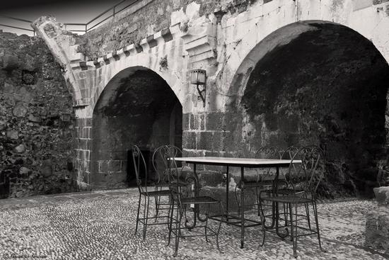 ..interno del castello - Aci castello (2443 clic)