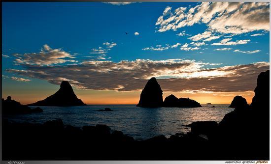 I faraglioni al mattino...gennaio 2012 - Aci trezza (2489 clic)