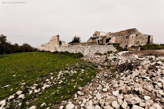 ...antico casolare - Castel di judica (2209 clic)