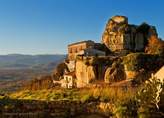 La Rocca - Castiglione di sicilia (3199 clic)