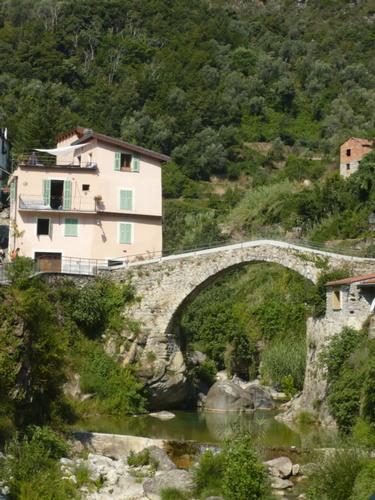 Rocchetta Nervina - Ponte vecchio (2555 clic)