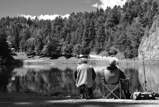 Pescatori al lago Smeraldo - Fondo (2329 clic)