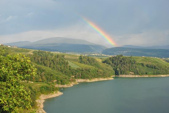 Lago di Santa Giustina con arcobaleno - Cles (2969 clic)
