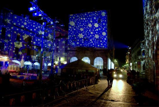 Piazza Duomo Natale 2010 - Como (2243 clic)