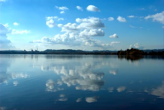 Lago di Pusiano (3794 clic)