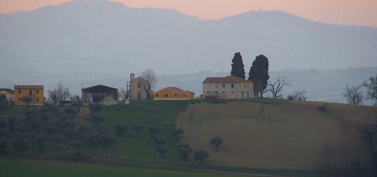 Borgo di Feriano - San costanzo (1074 clic)