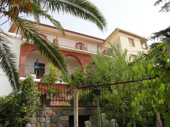 Casa padronale nell'abitato di Bolotana (487 clic)