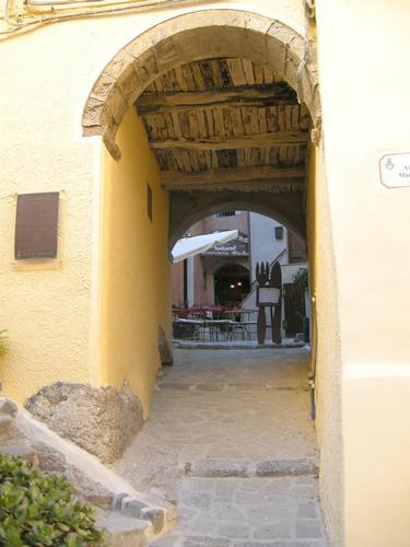 Angolo caratteristico del Borgo antico - Castelsardo (1928 clic)