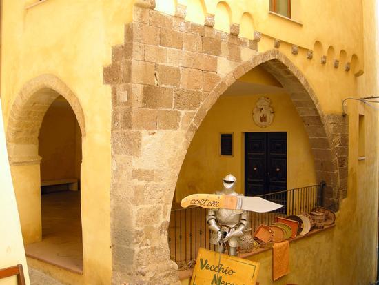 Angolo caratteristico del Borgo antico - Castelsardo (2323 clic)