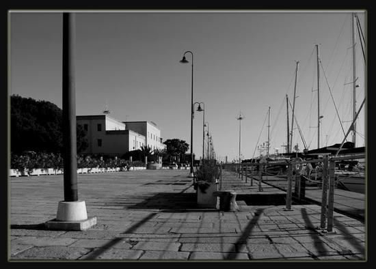 CAPITANERIA B W  - Cagliari (1089 clic)