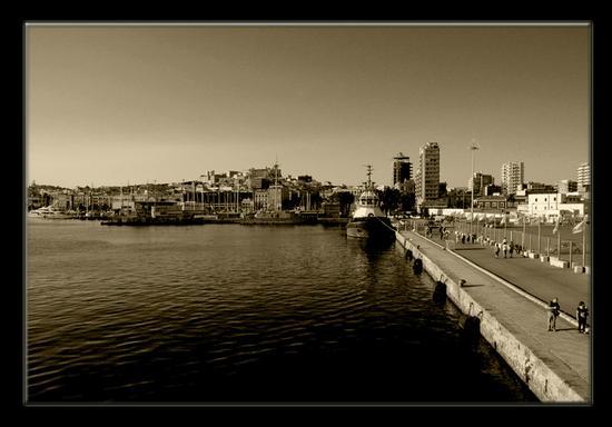 Porto di Cagliari (1404 clic)