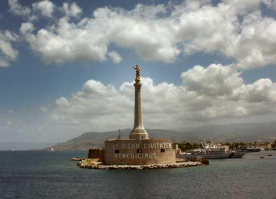 MADONNININA SULLO STRETTO - Messina (3205 clic)