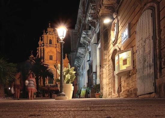 notturno ibleo - Ragusa (6841 clic)