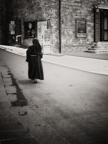 Strada di Assisi (1926 clic)