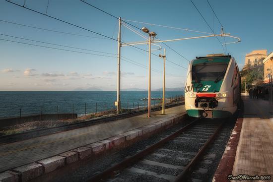 La stazione - Gioiosa marea (2706 clic)