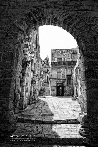 Arco dell'Annunziata - Chiaramonte gulfi (3248 clic)