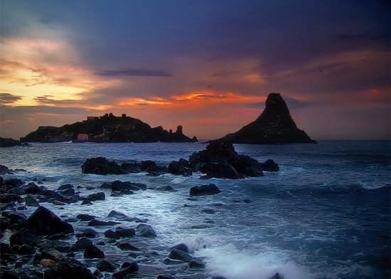 i colori dell'alba - Aci trezza (6890 clic)