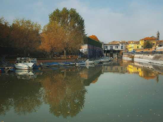 Mantova.Porto sul fiume Mincio (4678 clic)